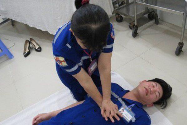 hướng dẫn cách sơ cứu người bị ngạt